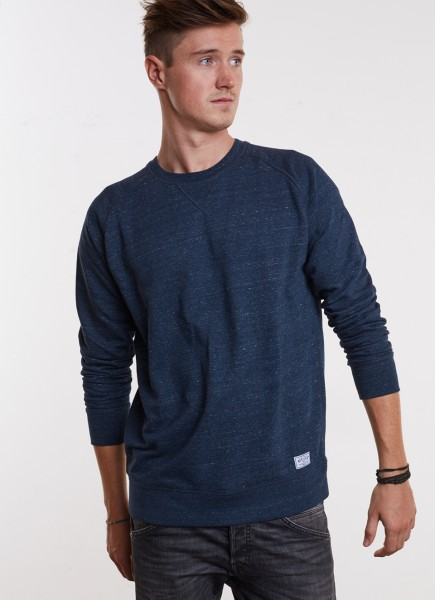 Pullover in denim meliert mit schlichtem Patch